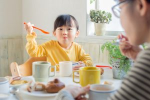 Trẻ thiếu máu nên ăn gì? 10 thực phẩm bổ sung sắt cho trẻ
