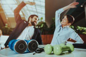 13 bài tập thể dục cho dân văn phòng
